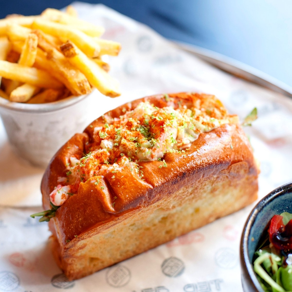 spycy-lobster-roll-ted-roma